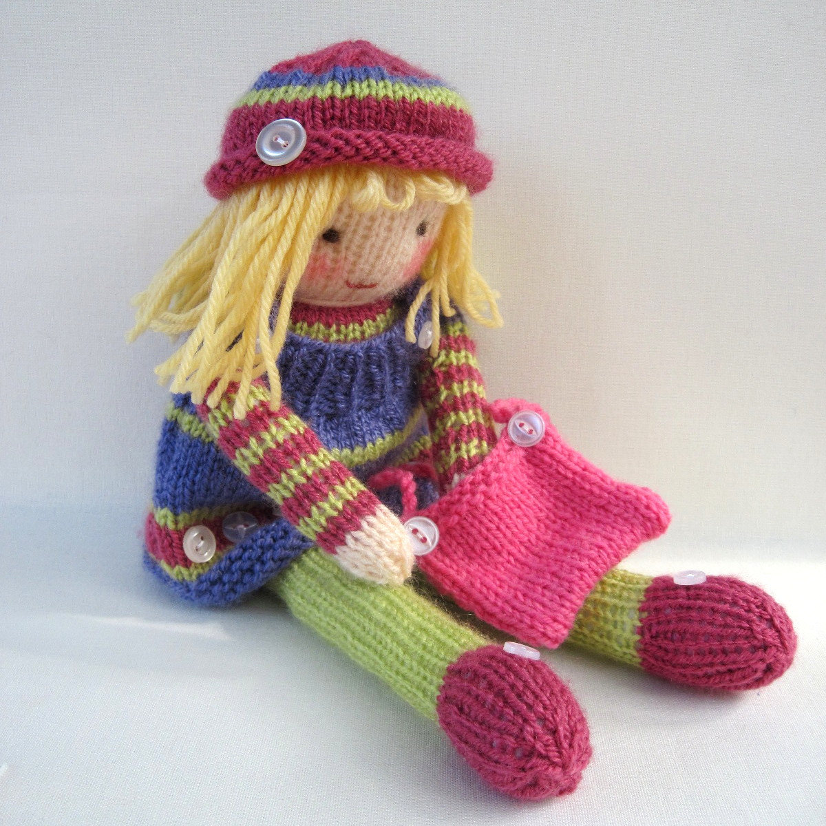 Easy Knitting Patterns Toys : Learn how to make a knitted doll ImGood