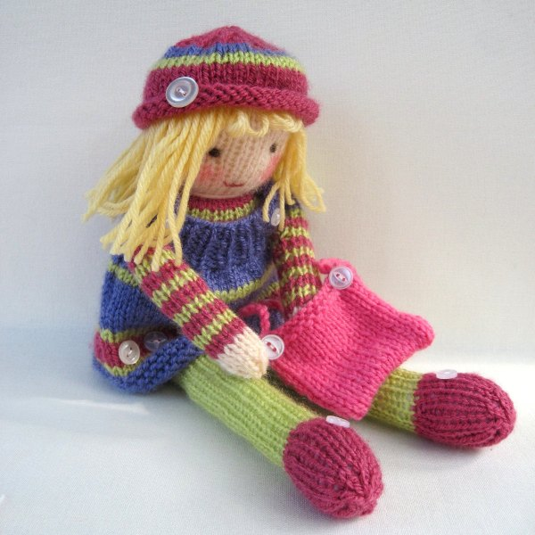 Betsy-Button-Knitted-Doll-Pattern
