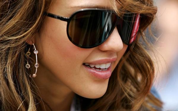 Celebrity-Sunglasses-Trends-For-Women-9