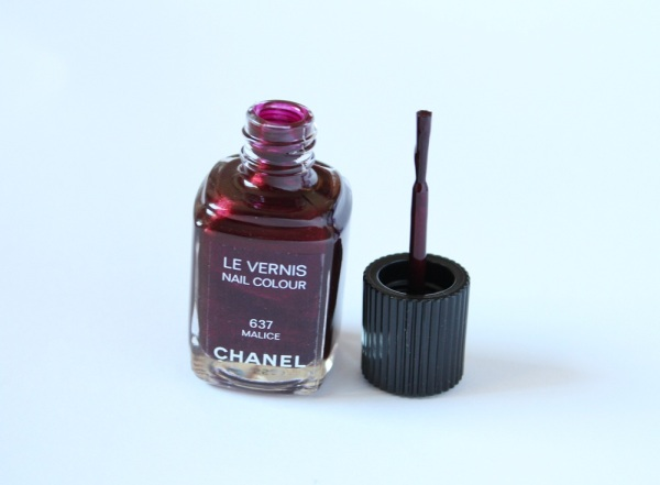 Chanel-Malice-Nail-Polish-Review-2