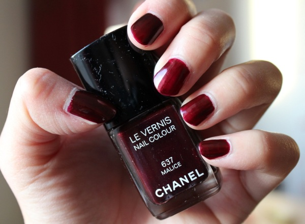 Chanel-Malice-Nail-Polish-Review-4