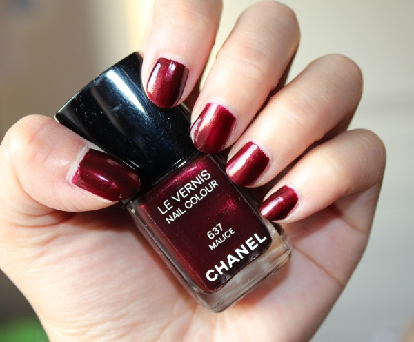Chanel-Malice-Nail-Polish-Review-5