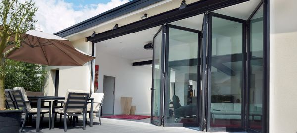 Bifold-doors-Entertaining.jpg